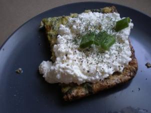 breakfast_frittata_cottagecheese_scallions